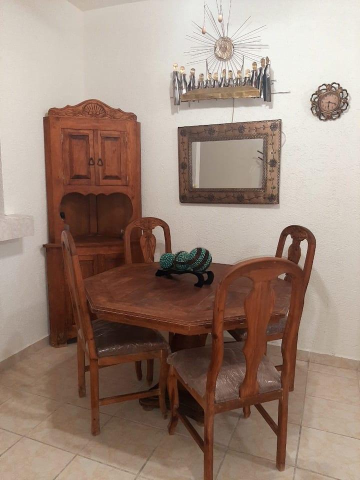 Bonita casa en cerrada a 10 min de Paseo Gómez Pal