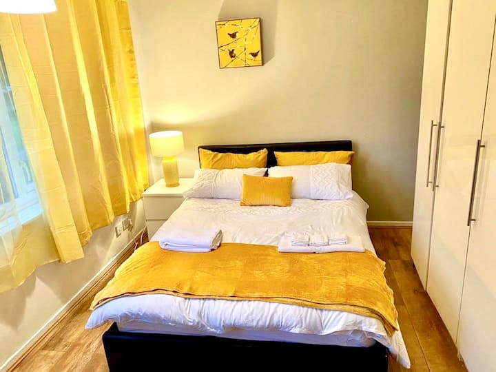 Beautiful 1 bedroom abode+Five ways+Odeon Luxe