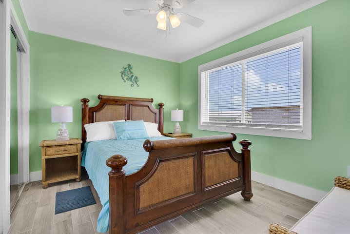 Full bed, 3rd floor