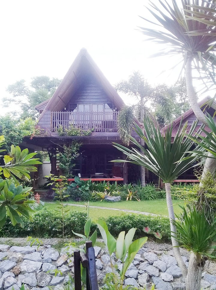 Family-Friendly-Thai style bungalow 6 person