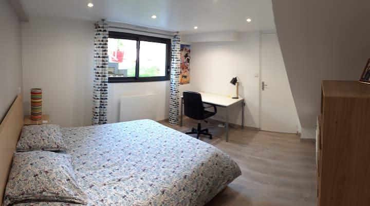 Studio calme et confortable avec accès indépendant