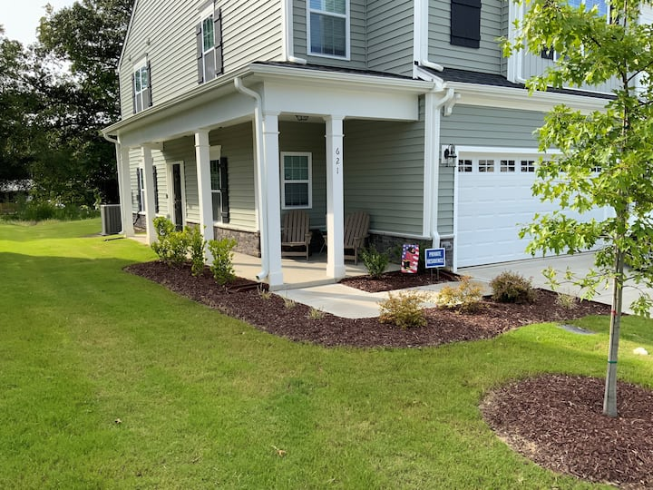 Brand new townhome convenient to Raleigh and Cary