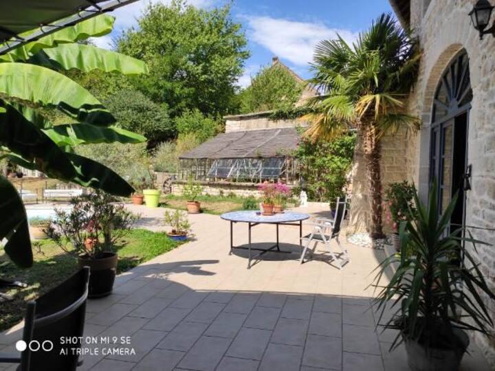 Maison de caractère, jardin et piscine