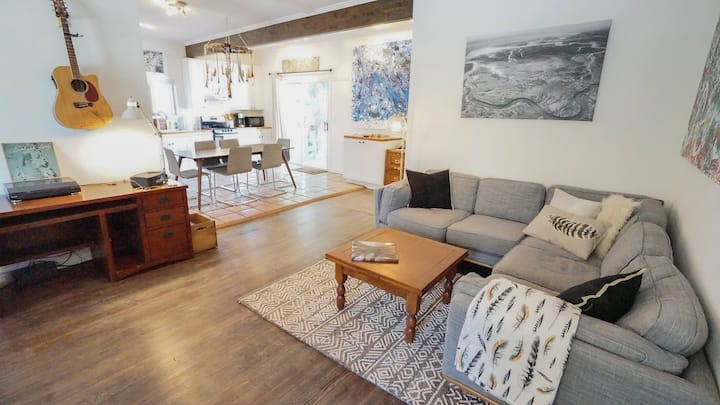 Boutique Bungalow in Downtown Flagstaff