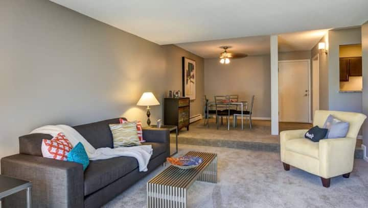 All-inclusive apt home | Studio in Burnsville