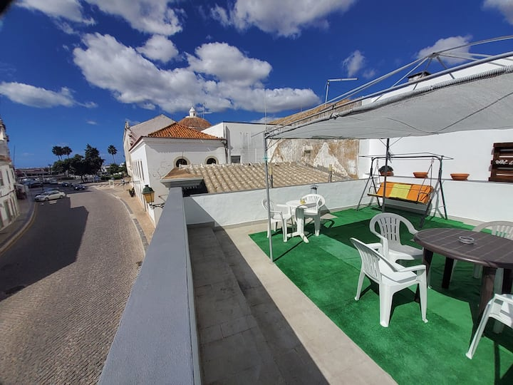 Faro City Life House! Best Location&Style in Faro