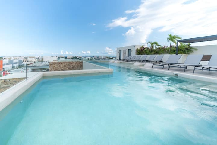 Central 1 BR w Rooftop Pool, Gym, Terrace -Veranda