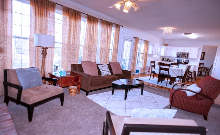 Spacious Luxury 4BR, 3Ba entire private house Wifi