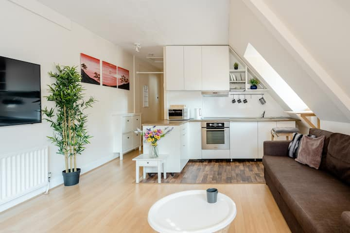 Charming 1-Bed Flat in central location