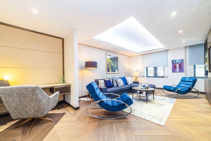 Premium Designer Apartment in Golden Square