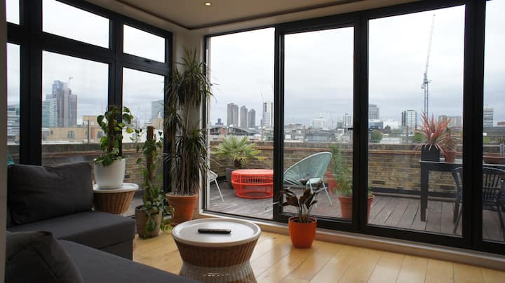 One Bedroom Apt with great views in Shoreditch