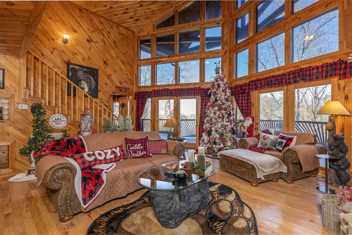 Secluded Holiday Black Bear Lodge