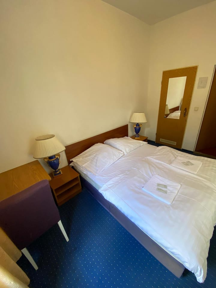 50% off budget room with private shower