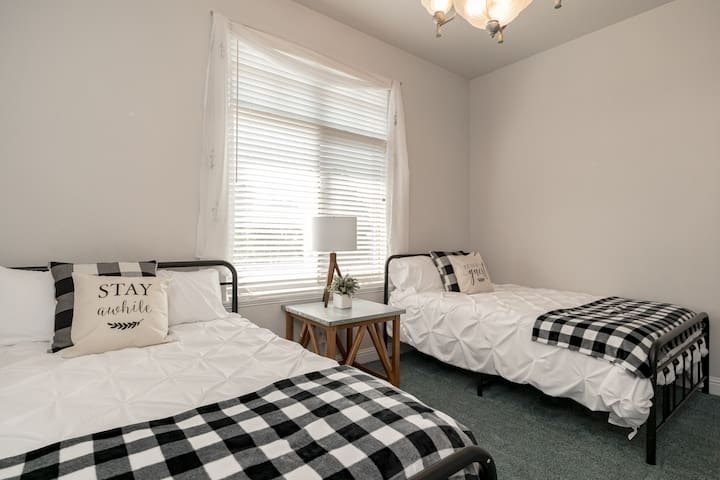 Bedroom 2 - 2 full size beds