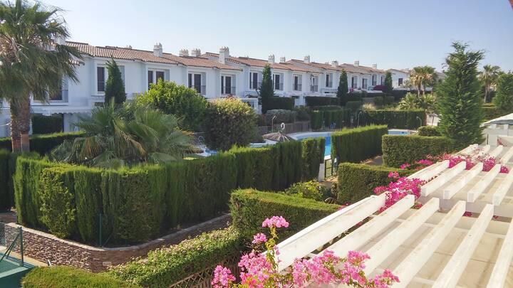 Alegre casa: Playa, Golf y Rutas Senderismo cerca