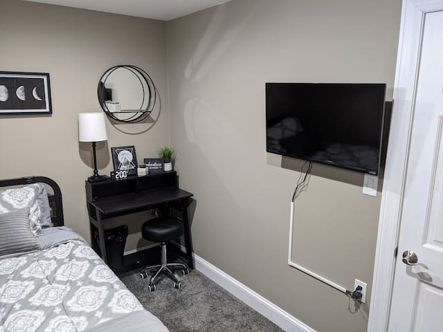 Black & White Room (Basement)  Can be used for 2nd or 3rd guest (Twin XL Bed)