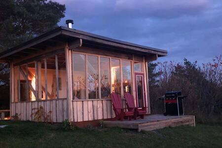Apple Tree Cabin