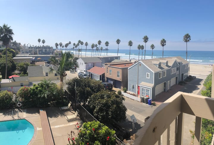 Oceanside Beach & Oceanview condo newly remodeled