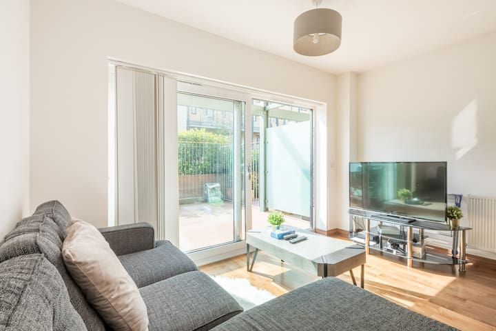 Cosy 2 bed apartment Near Cambridge Station