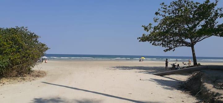 Apto. a 50 mts da praia de Boracéia