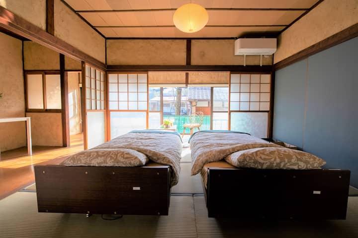 11月オープン/音戸の瀬戸で築100年のモダン古民家を体験・2階貸切。呉、倉橋、江田島観光の拠点に