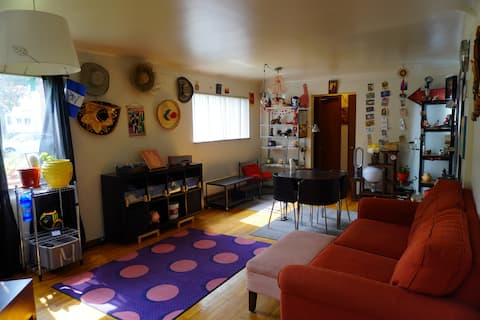 Artistic & cozy apartment near Downtown Ferndale