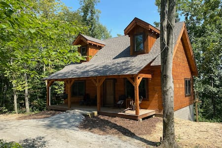 Cohosh - Hand hewn private log cabin with views