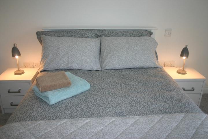 """Osprey"" bedroom with ensuite in Kilkenny."