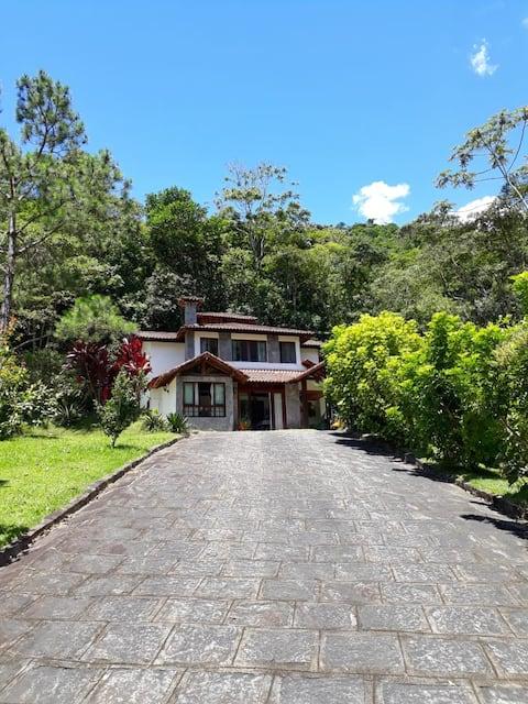 Casa na Serra Condomínio Le Refuge - Teresópolis