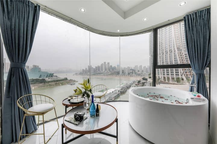六米落地玻璃正看千厮门大桥和重庆大剧院/270度看两江交汇和洪崖洞来福士广场/智能马桶投影智能化妆镜