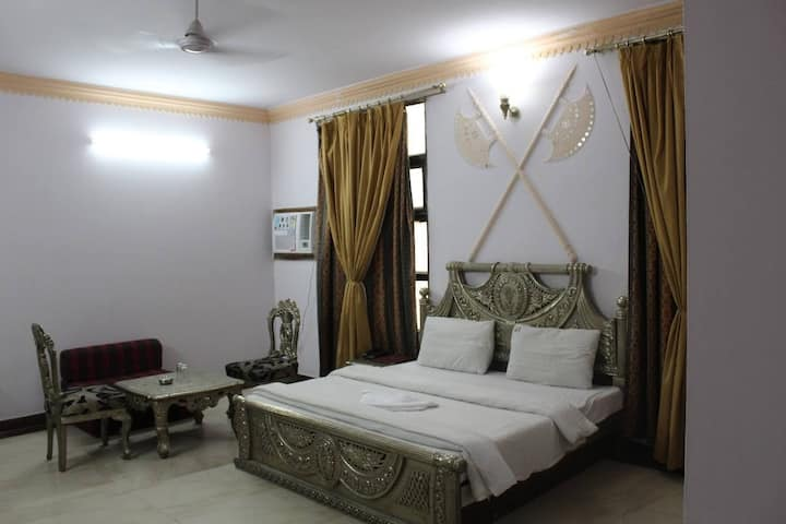 ADB Rooms Ivory Palace.Safe & Secure stay.