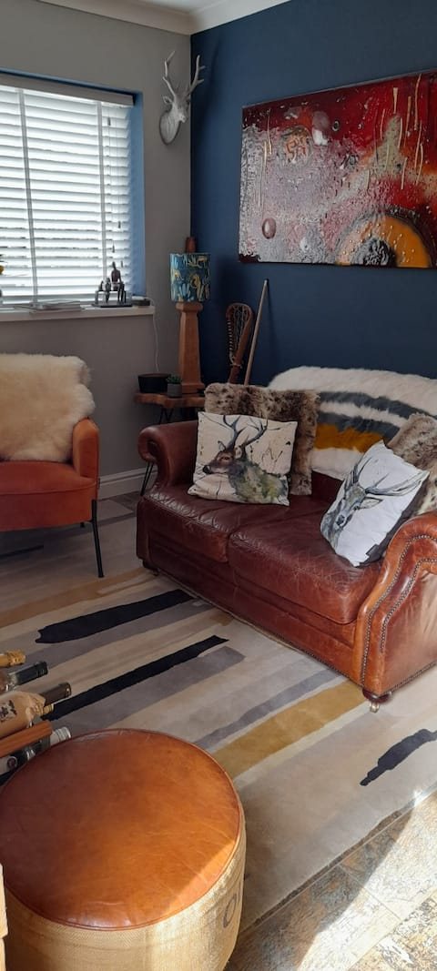 Beautiful Timothy Oulton'  design  furnished lodge