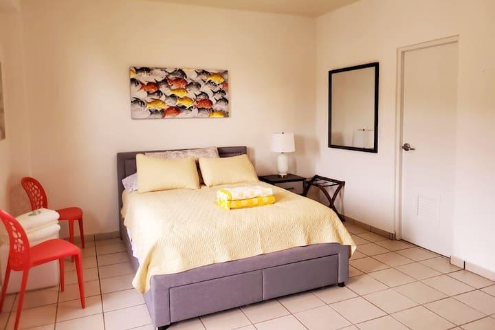 Habitación con baño totalmente privada, tipo hotel