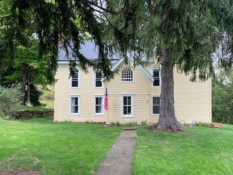 The Farmhouse Experience at Cresson Farm