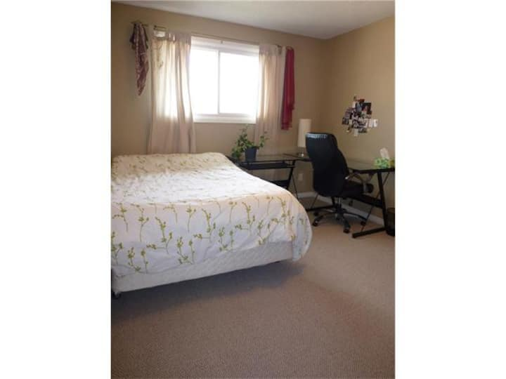 Furnished bedrooms for rent daily, weekly, or more