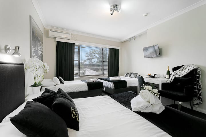 Stylish Family Room Close to Sydney Airport