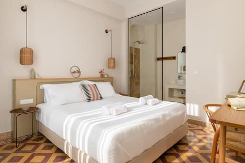 """Casa Natura (300m to the beach), """"Daisy Room"""""""
