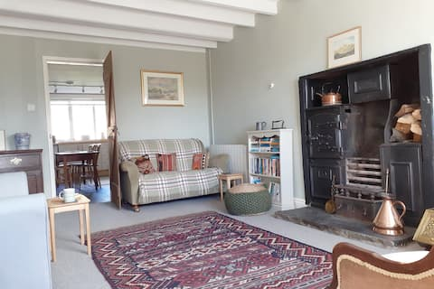 Charming Dales cottage with stunning views.
