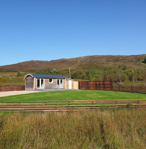 Toradh Cabin, croft stay, stunning views