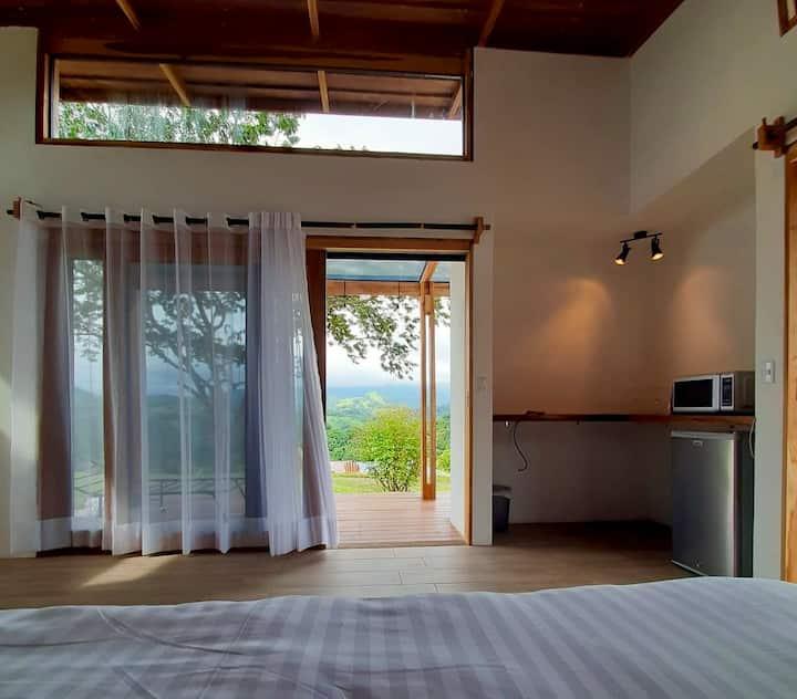 Luxury Villa Carao. Incredible food. 30 MEG wifi!