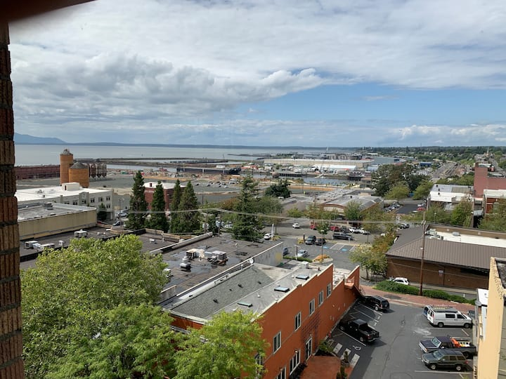 Bay View Extended Stay Apartment 717 at Hotel Leo