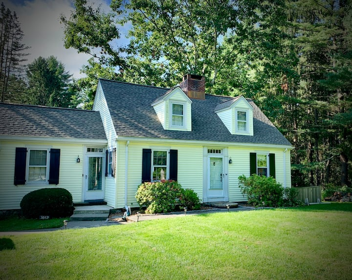 Relaxing country getaway at the Millstone Cottage