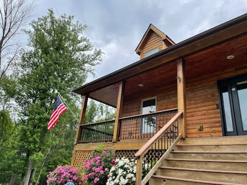 Liberty Hall Cabin - Family Retreat with a View!