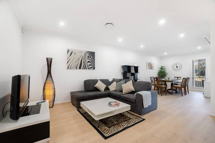 Ultra Modern 6 Bedrooms House Comfortable stay