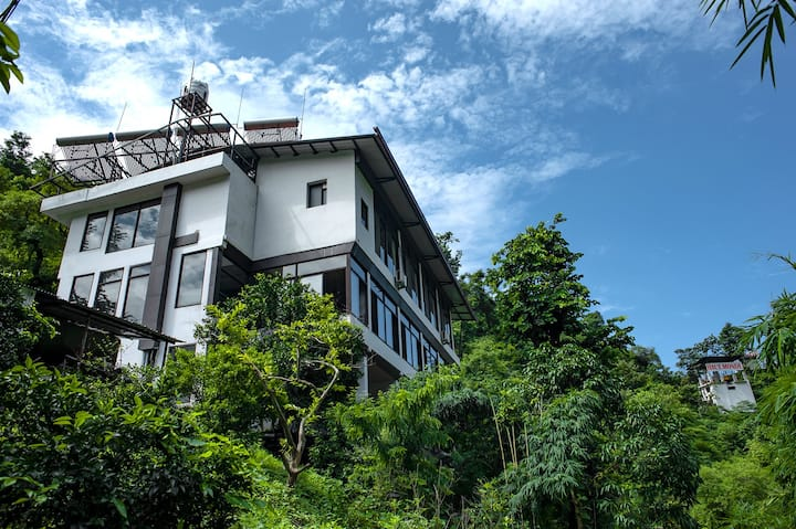 Luxury Rooms perfect for long stays in the hills