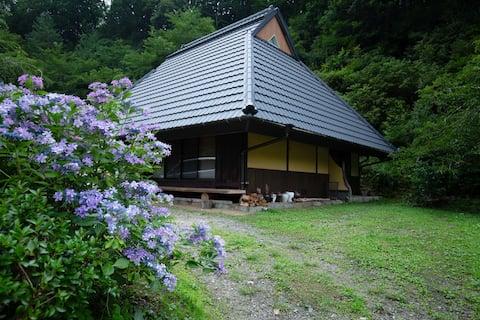 1日1組限定!高野山へ20分。紅葉色づく山里の大人の隠れ家。身も心もデトックス。wifi完備