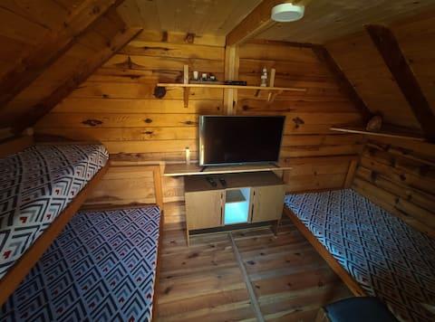 """Cabin """"Krin"""" Zlatarsko Lake"""