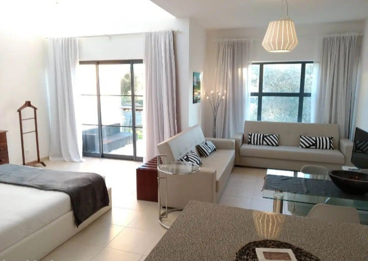 Eclectic luxury apartments with pool and golf