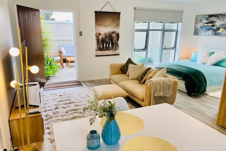 Luxury Takapuna  Guest House