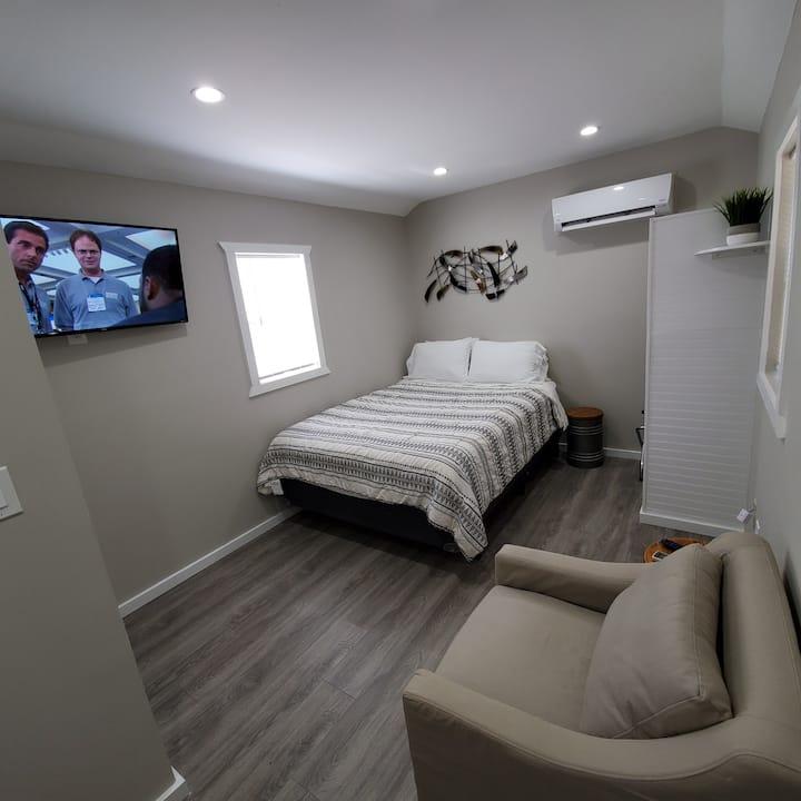 Newest South Atlanta Studio Cabin
